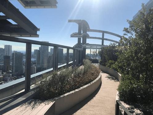 パークシティ中央湊 ザ タワーのスカイガーデン