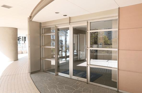 スカイシティ豊洲ベイサイドタワーのエントランス
