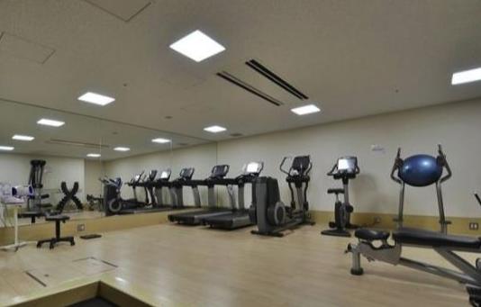プラティーヌ西新宿のフィットネスジム