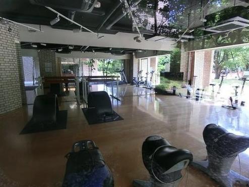 ザ・ミレナリータワーズのフィットネススタジオ