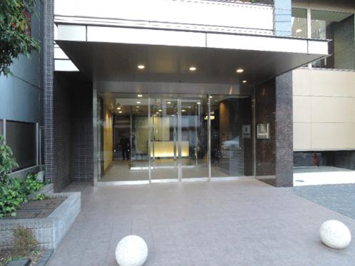 プライムアーバン新宿夏目坂タワーレジデンスのエントランス