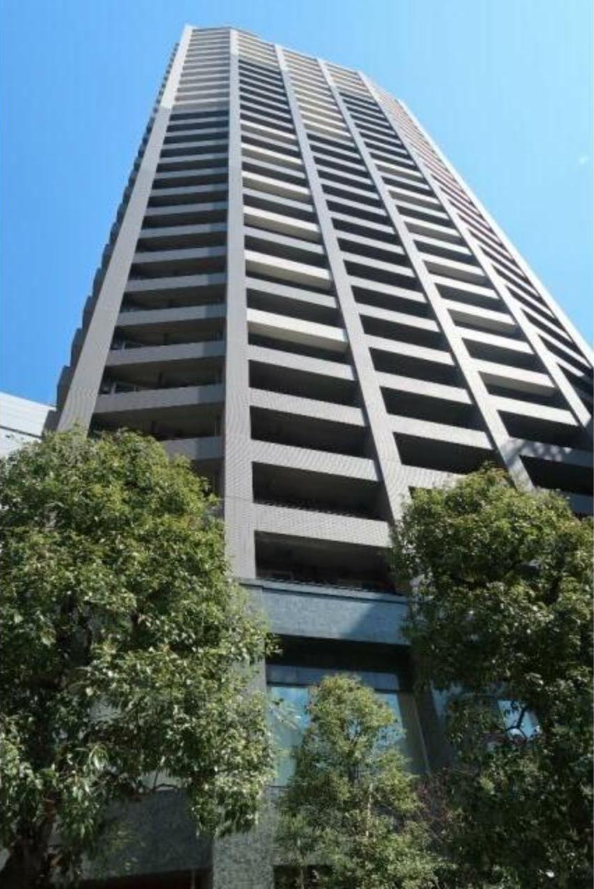 ファーストリアルタワー新宿の外観