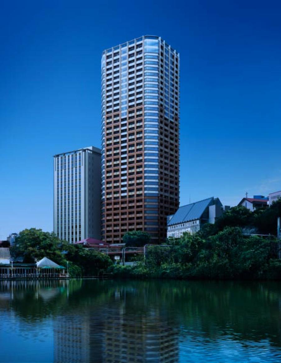 プラウドタワー千代田富士見の外観