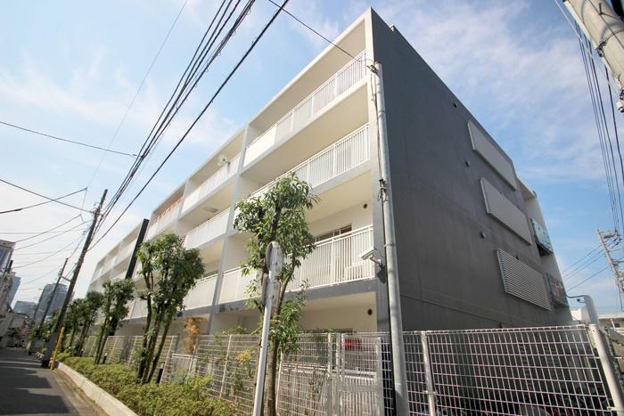 レジディア北新宿の外観