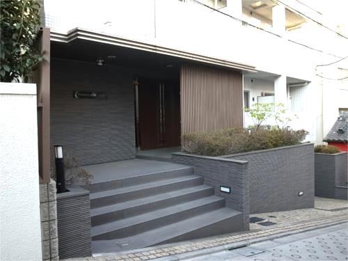 コンフォリア神楽坂のエントランス
