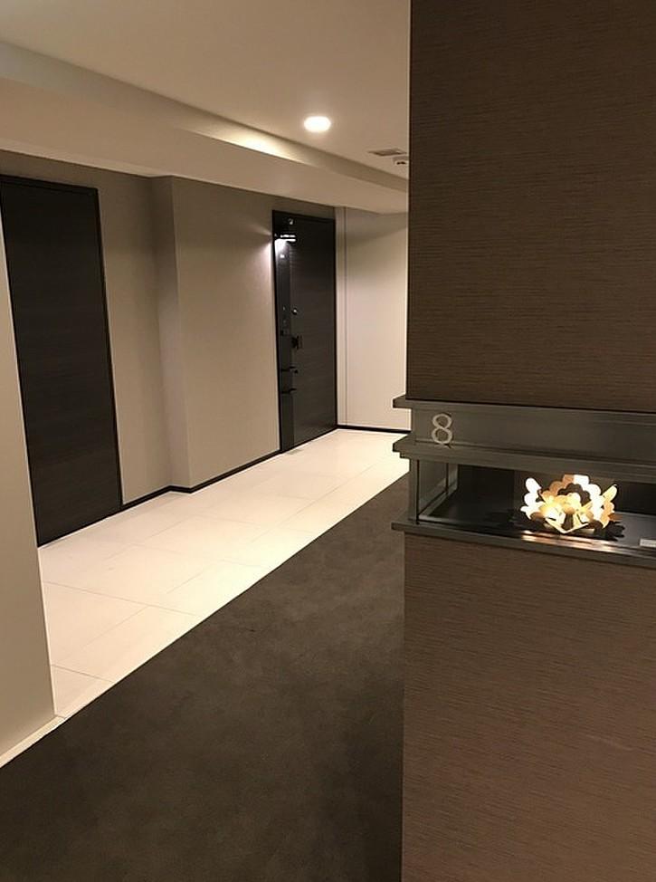 プレミスト新宿山吹の内廊下