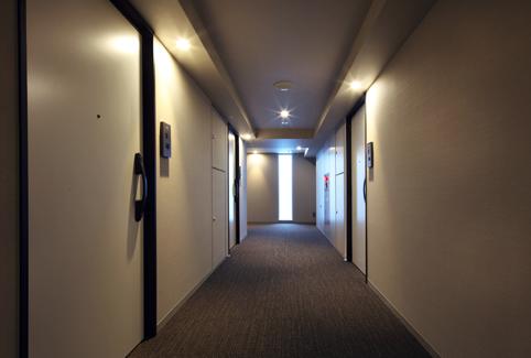 プライムメゾン市谷山伏町の内廊下