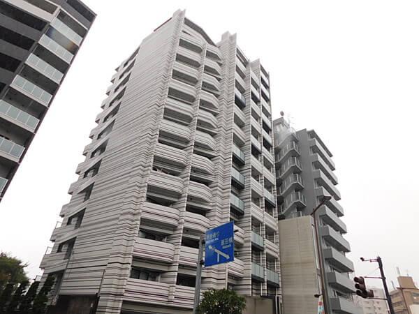 プレールドゥーク東新宿Ⅲの外観