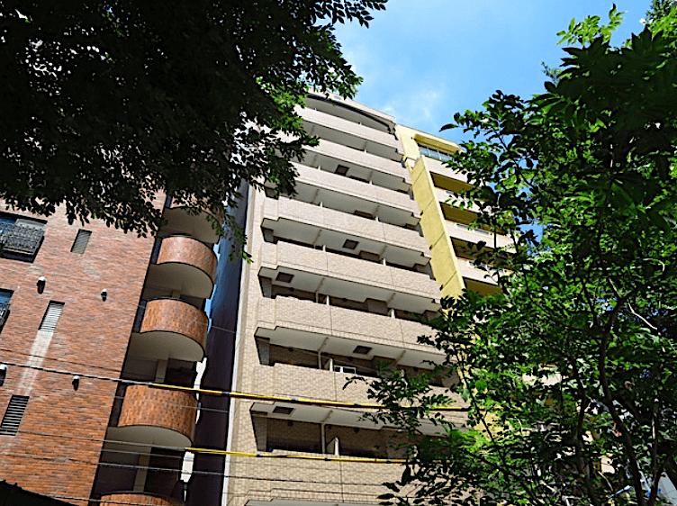 カスタリア新宿御苑Ⅱの外観
