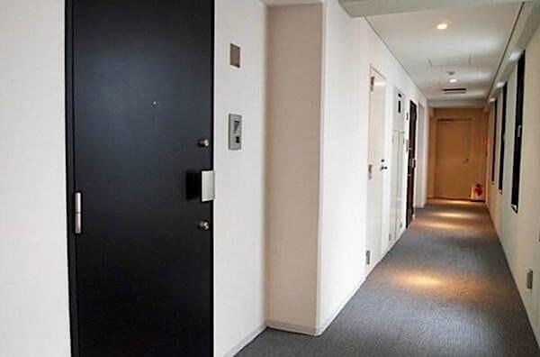 レキシントン・スクエア新宿御苑の内廊下