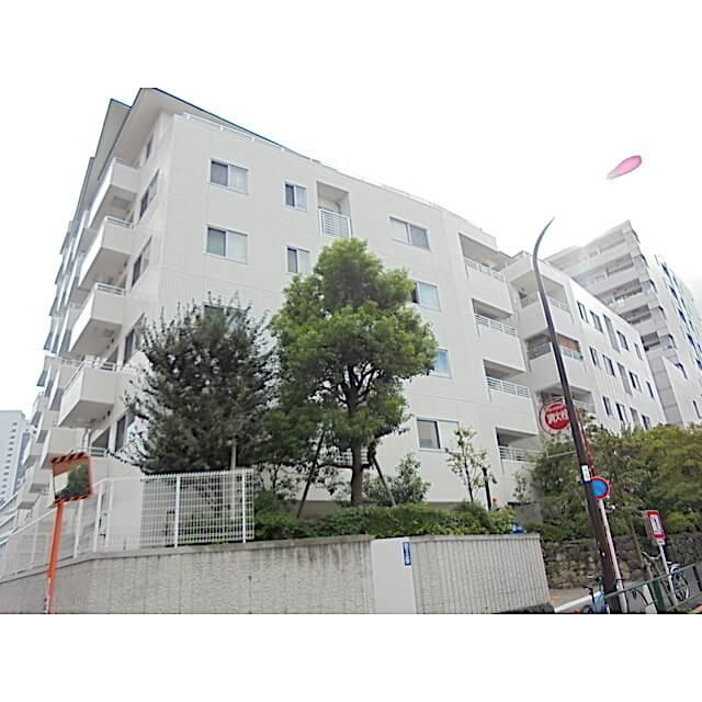 APAガーデンズ新宿戸山公園の外観