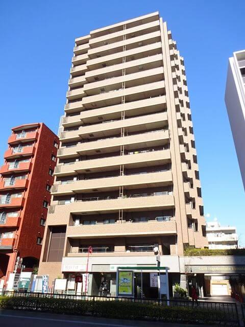クリオ東新宿壱番館の外観