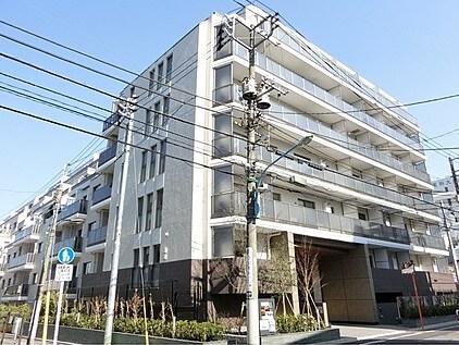 ザ・パークハビオ新宿の外観