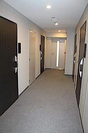 ジェノヴィア新宿早稲田グリーンヴェールの内廊下