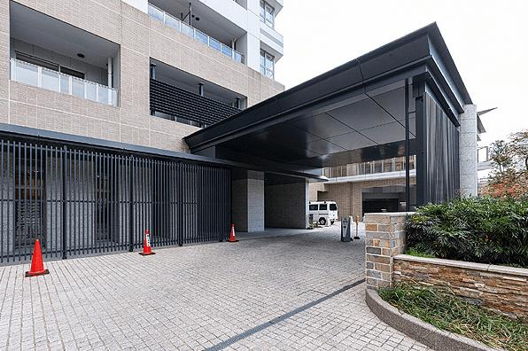 ザ・パークハウス西新宿タワー60のエントランス