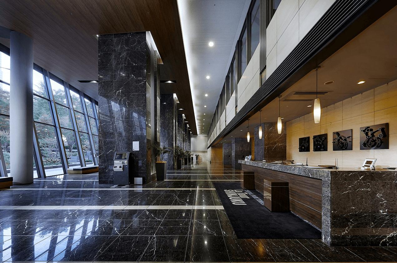 セントラルパークタワー・ラ・トゥール新宿のロビー