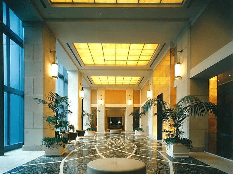 東京ツインパークスのエントランスホール