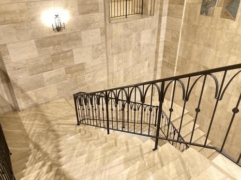 リバーシティ21センチュリーパークタワーの階段